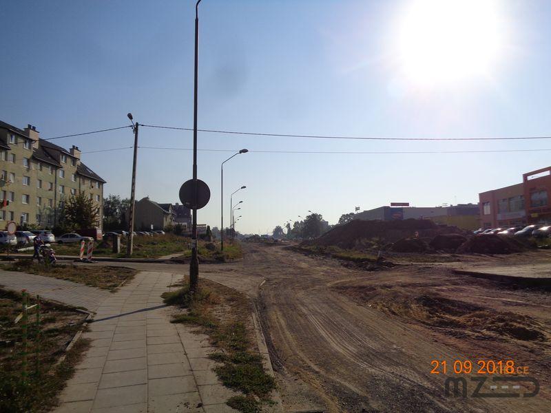 Oglądasz zdjęcia z artykułu: Rozbudowa ul. Wapiennikowej w Kielcach wraz z rozbudowa skrzyżowań: z ul. Ściegiennego ...