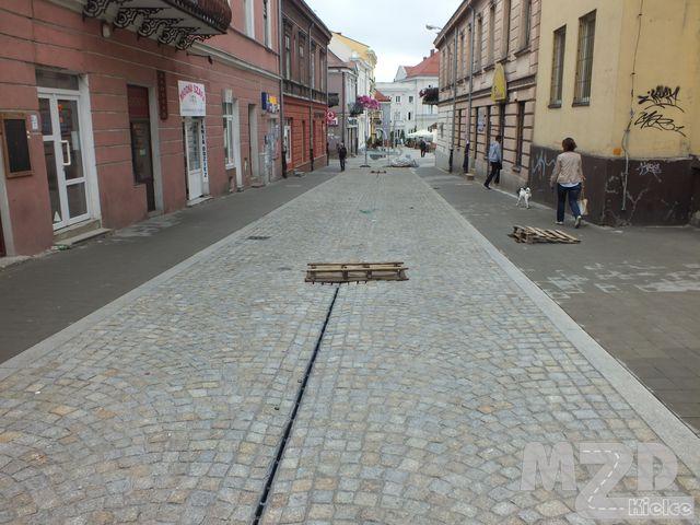 Oglądasz zdjęcia z artykułu: Rewitalizacja Śródmieścia Kielc-przebudowa ulic:Wesoła, Czerwonego Krzyża, Mickiewicza, św. Leonarda